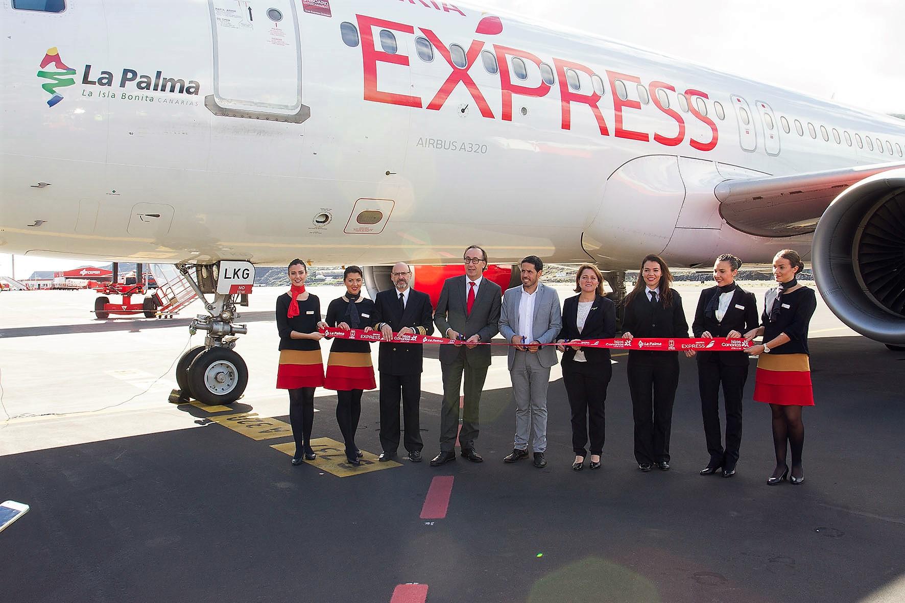 Resultado de imagen de Iberia Express bautiza uno de sus aviones A320 con el nombre de La Palma