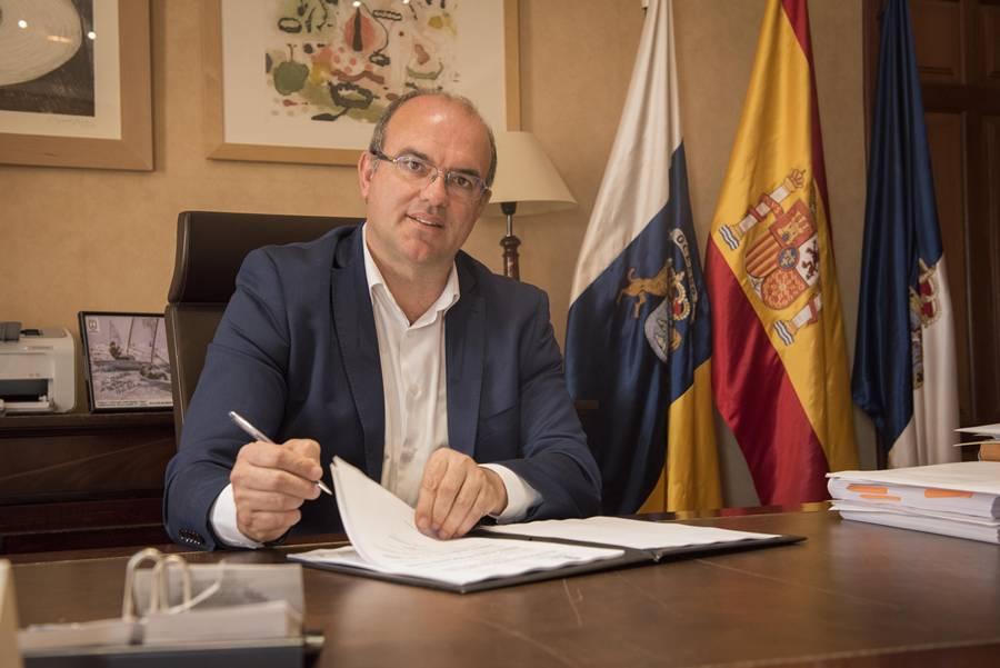 Anselmo Pestana Presidente del Cabildo de La Palma. Presidencia del Cabildo 8