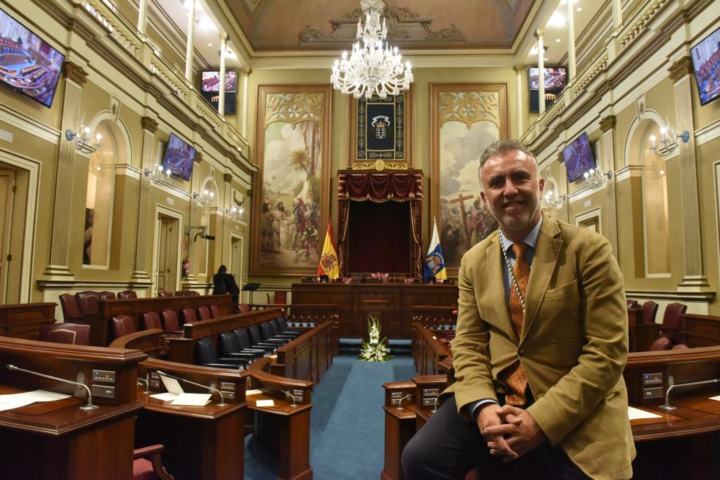 Resultado de imagen de victor torres parlamento