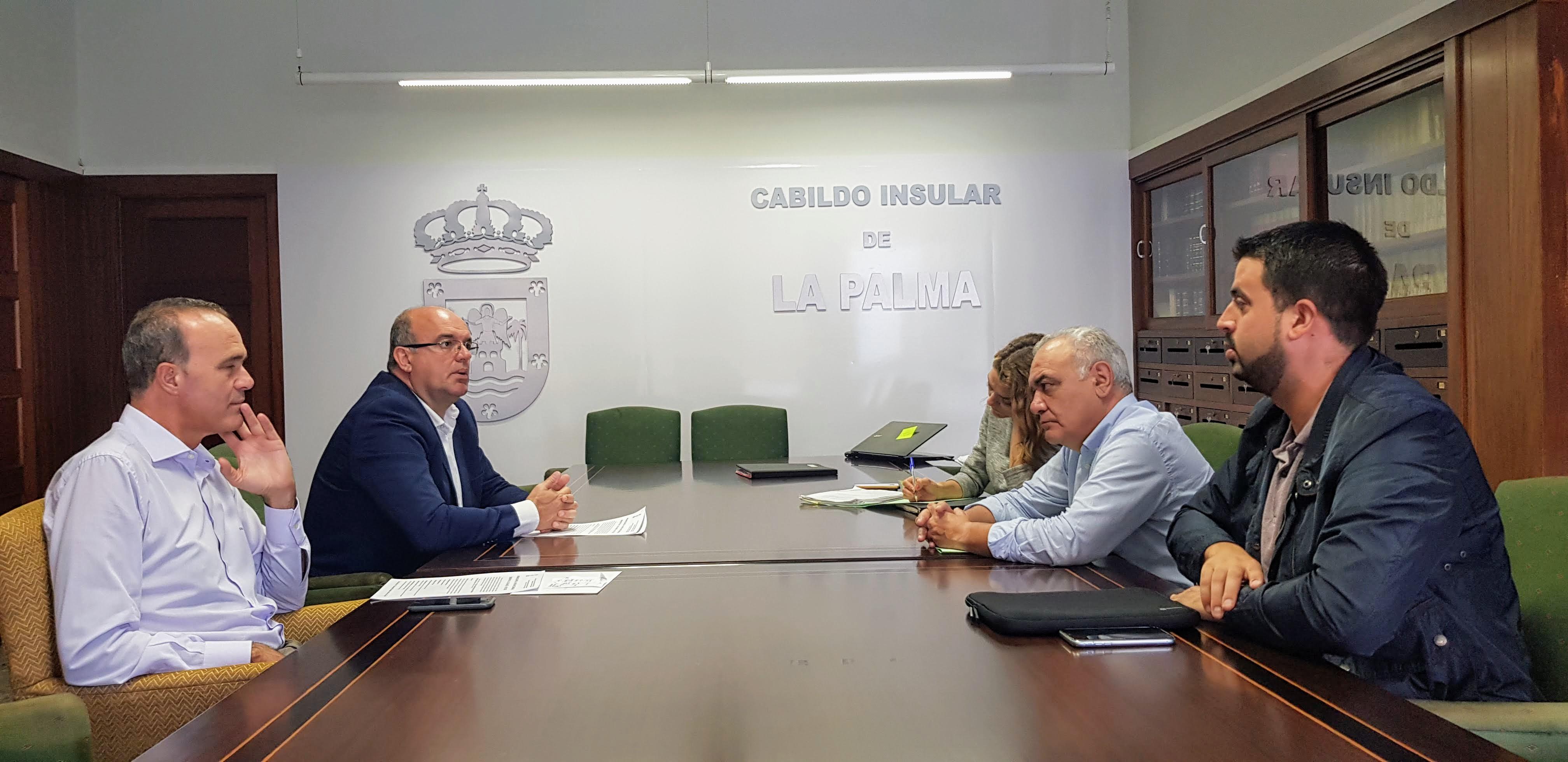 Reunión Marcos y Cordero.