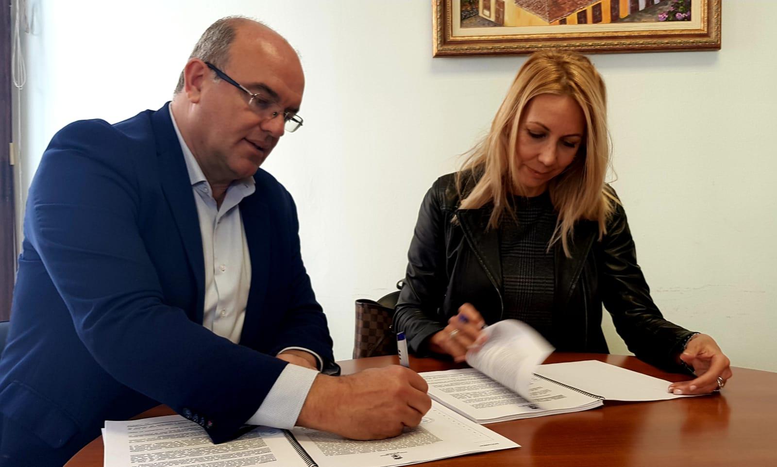 Resultado de imagen de El Cabildo contrata la repavimentación de la travesía de Barlovento