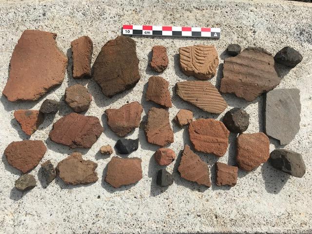 Restos arqueológicos donados por María Nieves Bethencourt Castro (Foto Jorge Pais Pais).