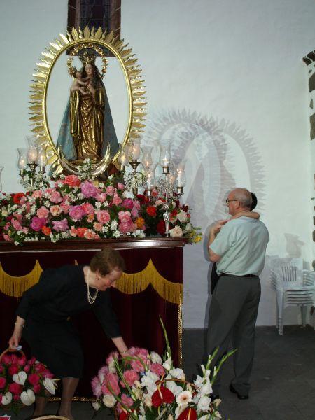 Ofrenda a la Virgen de Los Remedios