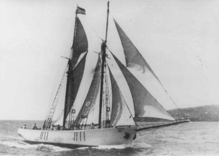 La Benahoare, navegando frente a Santa Cruz de La Palma.