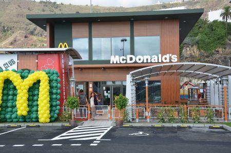 Mcdonald s abre sus puertas en la capital con clientela desde primera hora el apur n - Mcdonald s puerto de la cruz ...